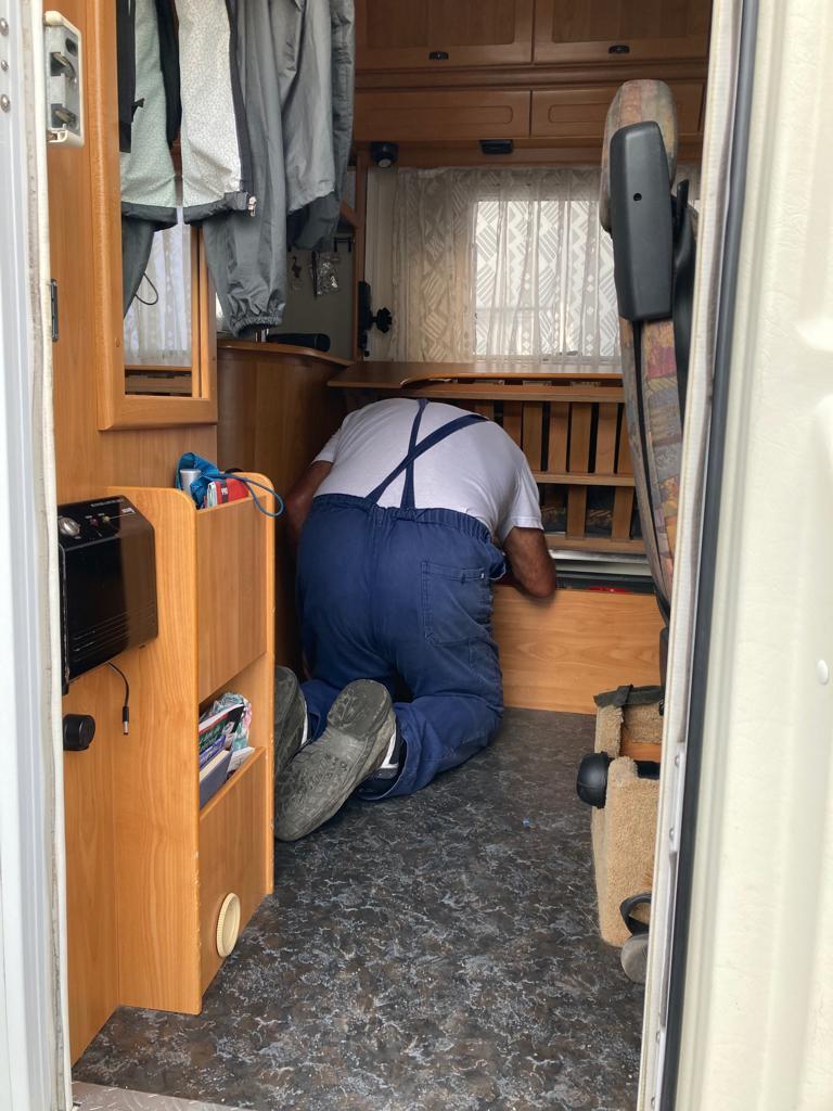 Una vita a riparare camper